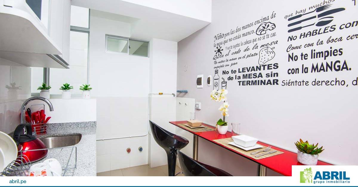 colores llamativas en la decoración de departamento pequeño